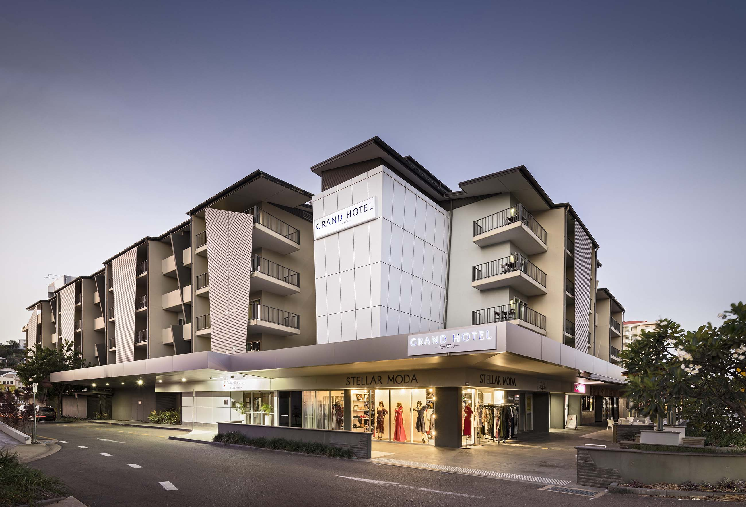 Grand hotel and apartments townsville the grand townsville