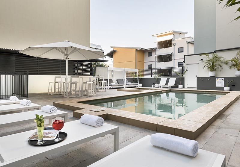 Grand Hotel and Apartments Townsville - Swimming Pool and Spa